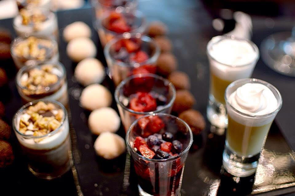 CHEFS & CATERING